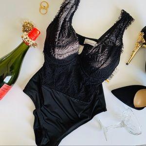 NWT Sophie B Eyelash Lace Stretch Bodysuit Size S